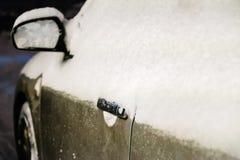 Bil i snowen Royaltyfria Foton