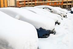 Bil i snowen Royaltyfri Bild