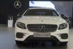 Bil Mercedes E - Klasa kupé Fotografering för Bildbyråer