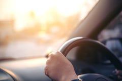 Bil och chaufför royaltyfri foto