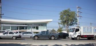 Bil och trafik på huvudvägvägen nära Juction Royaltyfri Fotografi