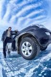 Bil på is arkivfoton