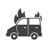 Bil på brand Fotografering för Bildbyråer