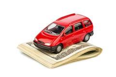 Bil på dollarräkningar Royaltyfria Bilder