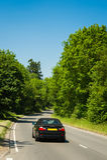 Bil på en väg Arkivfoton