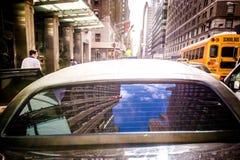 Bil på gatorna av New York royaltyfria foton