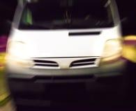 Bil på natten Arkivfoto