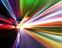 Bil på vägen arkivfoto