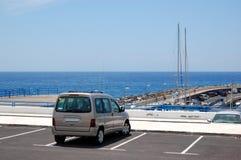 bil parkerad parkerande seafront Arkivfoton