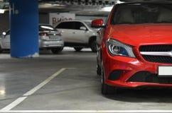 bil som parkeras på underjordisk parkering royaltyfria foton