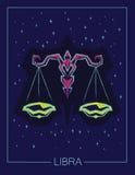 Bilancia del segno dello zodiaco sul fondo stellato del cielo di notte Fotografia Stock