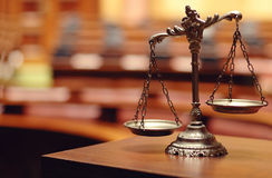 Bilancia della giustizia decorativa Fotografie Stock Libere da Diritti
