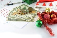 Bilancio di festa con soldi Fotografia Stock Libera da Diritti