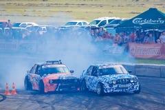 Bilar för BMW drivasporten som konkurrerar i ett lopp på Vinnytsia, driver konkurrens 09 07 2017 kör en vänd, redaktörs- foto Arkivbild