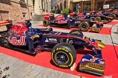 Bilar för formel en av det italienska laget Toro Rosso Arkivfoton