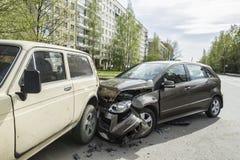 Bilar för olycka två i den tidiga vårmorgonen Arkivbilder
