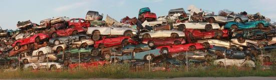 Bilar för restmetall royaltyfria foton