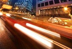 bilar fast den moving natten Royaltyfri Foto