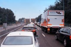 Bilar i en turist- trafikstockning Royaltyfria Foton