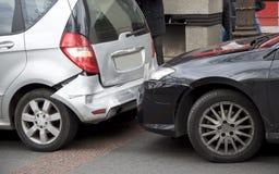 bilar kraschar två royaltyfri foto