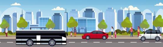 Bilar och passagerarebuss som kör lägenheten för horisont för bakgrund för cityscape för skyskrapor för stads- panorama f royaltyfri illustrationer