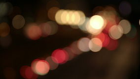 Bilar på natten i stad lager videofilmer