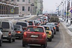 Bilar som får upp i en trafikstockning Royaltyfria Foton