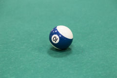 Bilardowe piłki nad stołem Obraz Stock