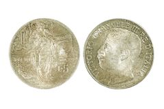 Bilateral do italiano de prata moeda de 5 liras isolada no backgro branco Fotos de Stock
