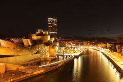 Bilbao bij nacht Stock Foto's