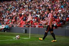 BILBAO, ESPAÑA - 18 DE SEPTIEMBRE: Benat Etxebarria, jugador del Athletic de Bilbao, en el partido entre el Athletic de Bilbao y  Fotos de archivo libres de regalías