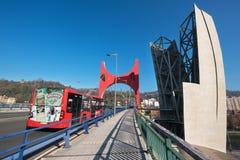 Bilbao, España - enero, 4, 2017: Paisaje urbano urbano de la ciudad de Bilbao Fotografía de archivo libre de regalías