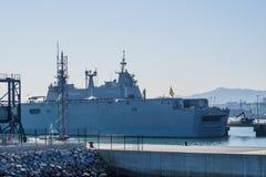 BILBAO, ESPAÑA - MARZO/23/2019 Portaaviones de la marina de guerra española Juan Carlos I en el puerto de Bilbao, día abierto a v fotografía de archivo libre de regalías