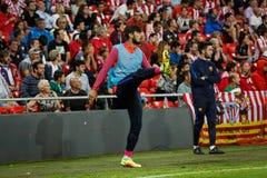 BILBAO, ESPAGNE - 28 AOÛT : Andre Gomes, joueur de FC Barcelona, chauffant dans la correspondance entre l'Athletic Bilbao et le F Photos libres de droits