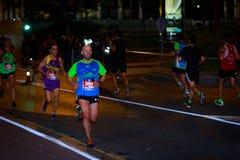 BILBAO, ESPAGNE - 22 OCTOBRE : Coureur non identifié avec l'incapacité pendant la nuit de marathon de Bilbao, célébrée à Bilbao l Images libres de droits