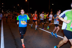 BILBAO, ESPAGNE - 22 OCTOBRE : Coureur non identifié avec l'incapacité pendant la nuit de marathon de Bilbao, célébrée à Bilbao l Photographie stock