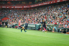 BILBAO, ESPANHA - 28 DE AGOSTO: Arda Turan e Oscar de Marcos na ação durante uma harmonia de liga espanhola entre Athletic Bilbao Imagens de Stock