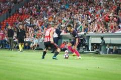 BILBAO, ESPANHA - 28 DE AGOSTO: Denis Suarez e Oscar de Marcos na ação durante uma harmonia de liga espanhola entre Athletic Bilb Imagem de Stock