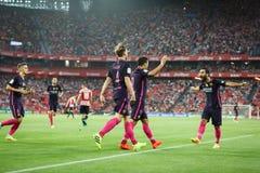 BILBAO, ESPANHA - 28 DE AGOSTO: Ivan Rakitic, Luis Suarez, Arda Turan e Denis Suarez comemorando um objetivo no fósforo de liga e Fotos de Stock
