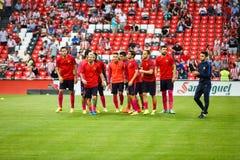 BILBAO, ESPANHA - 28 DE AGOSTO: Lionel Messi, Luis Suarez, Sergio Busquets, Gerard Pique e Ivan Rakitic na harmonia entre atlétic Fotografia de Stock Royalty Free