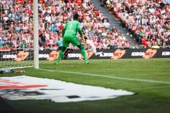 BILBAO, ESPANHA - 18 DE SETEMBRO: Diego Alves, goleiros do Valencia CF, na harmonia entre Athletic Bilbao e o Valencia CF, comemo Imagem de Stock