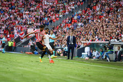BILBAO, ESPANHA - 18 DE SETEMBRO: Raul Garcia e Martin Montoya na harmonia entre Athletic Bilbao e o Valencia CF, comemorados em  Fotos de Stock