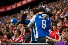 BILBAO HISZPANIA, PAŹDZIERNIK, - 16: Istny Sociedad Wachluje między Sportowymi fan w dopasowaniu między Sportowym Bilbao Sociedad zdjęcia stock