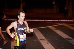 BILBAO HISZPANIA, PAŹDZIERNIK, - 22: Niezidentyfikowany biegacz z kalectwem w maraton nocy Bilbao, świętującej w Bilbao na Paździ Obrazy Stock