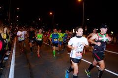 BILBAO HISZPANIA, PAŹDZIERNIK, - 22: Niezidentyfikowany biegacz z kalectwem w maraton nocy Bilbao, świętującej w Bilbao na Paździ Obrazy Royalty Free
