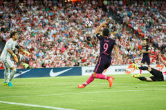 BILBAO HISZPANIA, SIERPIEŃ, - 28: Luis Suarez FC Barcelona w akci podczas Hiszpańskiego Ligowego dopasowania między Sportowym Bil Zdjęcia Royalty Free