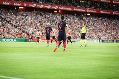 BILBAO HISZPANIA, SIERPIEŃ, - 28: Luis Suarez i Lionel Messi w dopasowaniu między Sportowym Bilbao Barcelona i FC, świętujący na  Zdjęcie Stock