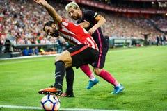 BILBAO, SPAGNA - 28 AGOSTO: Lionel Messi e Mikel Balenziaga, nella partita fra l'Athletic Bilbao ed il FC Barcelona, celebrano Fotografia Stock Libera da Diritti