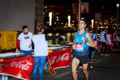 BILBAO, SPAGNA - 22 OTTOBRE: Corridore non identificato con l'inabilità nella notte maratona di Bilbao, celebrata a Bilbao il 2 o Fotografie Stock
