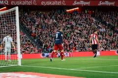 BILBAO SPANIEN - APRIL 20: Fernando Torres, Xabier Etxeita och Gorka Iraizoz i matchen mellan idrotts- Bilbao och Athletico de Arkivfoto